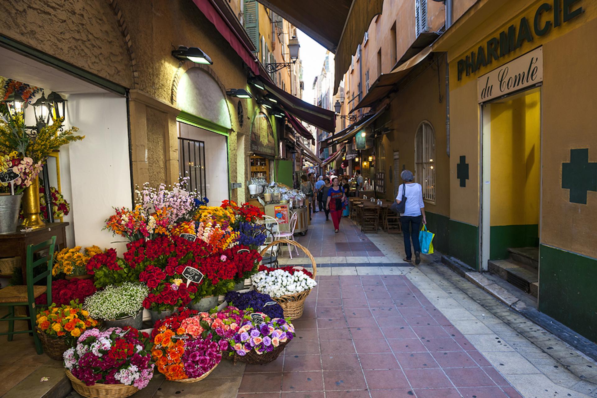 Le vieux Nice et ses ruelles commerçantes