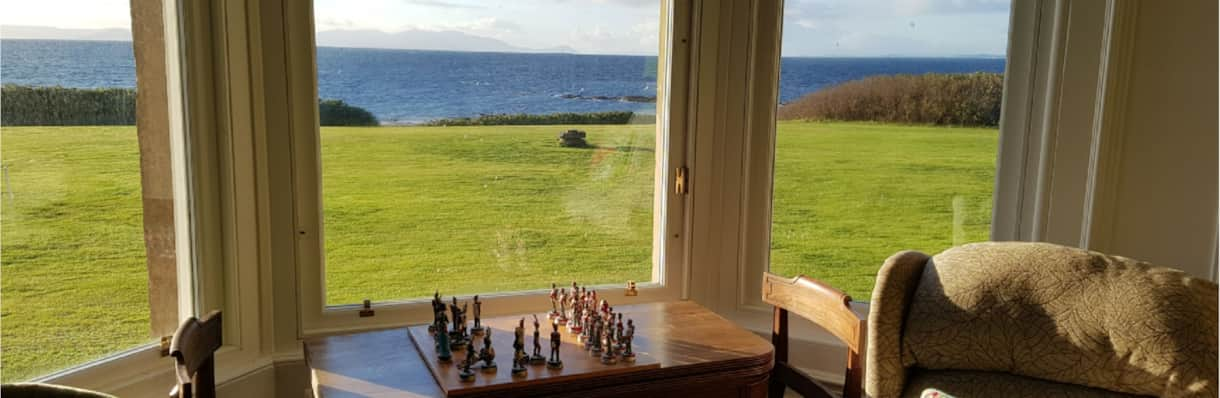 sitting-room-chess