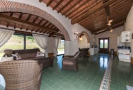 Holiday-in-Tuscany-Poppi-Villa-Borgo-Bibbiena (21)