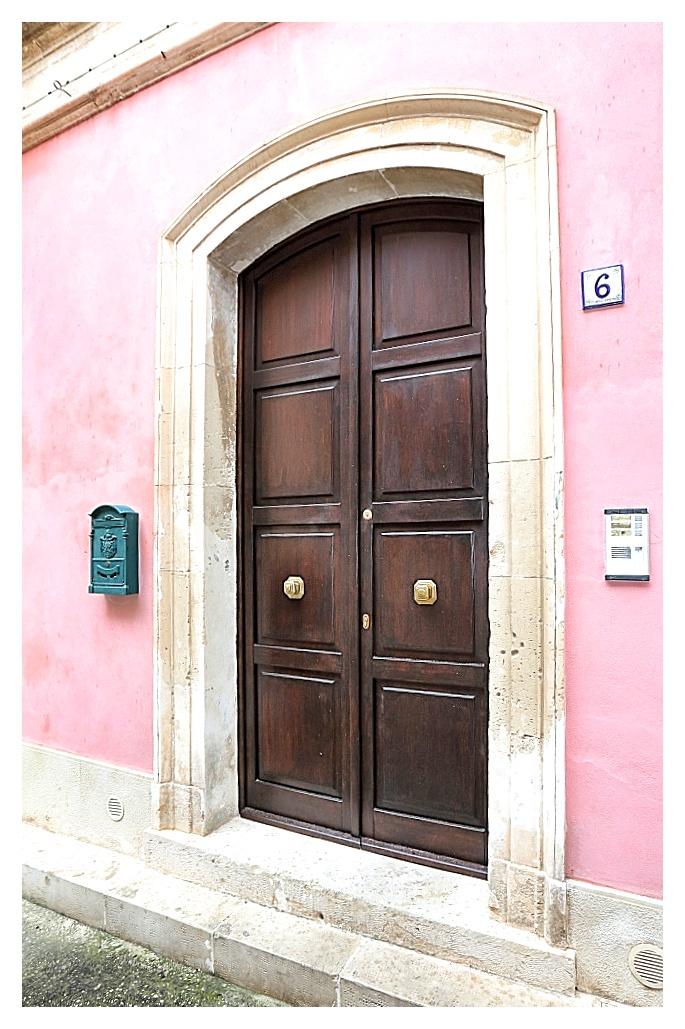 Porta di ingresso Esagono Monello
