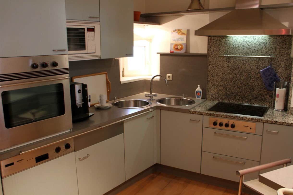 Kitchen - oven, microwave, coffee machine, dish washer, stove, dust absorber,