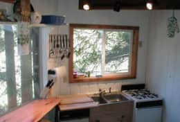Tree House Kitchen with Dining Count, Sink, and Range/Oven