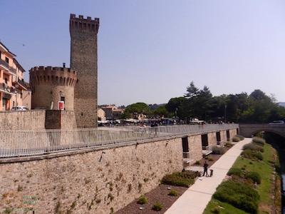 Walking along the walls of Umbertide