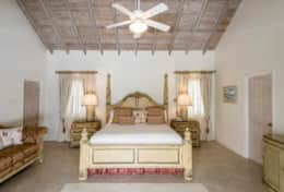 Exclusive Private Villas - Sandalwood House (BR126) - Master Bedroom