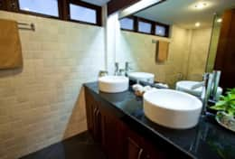 Baan Flora Bathroom 1
