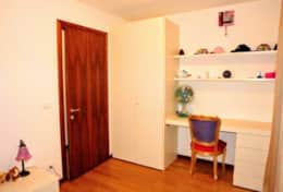 Enjoy the other single bedroom with a desk and an elegant chair ideal for little queens and princess