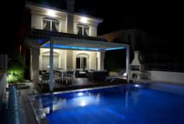 Blue Water Bay Holiday Villa