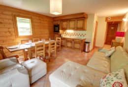 Well equipped open-plan kitchen and dining area.x1730