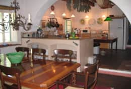 Villa Lavanda - Large kitchen and dining area