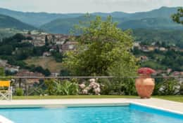Holiday-in-Tuscany-Poppi-Villa-Borgo-Bibbiena (4)