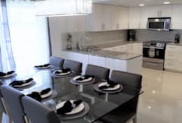 Fresh & Modern Fully Equipped Kitchen