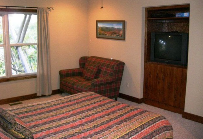 Mountain Home Vacation Rental - Deerwood Retreat - Bunk Room Before