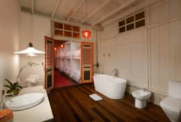 Children's ensuite bathroom