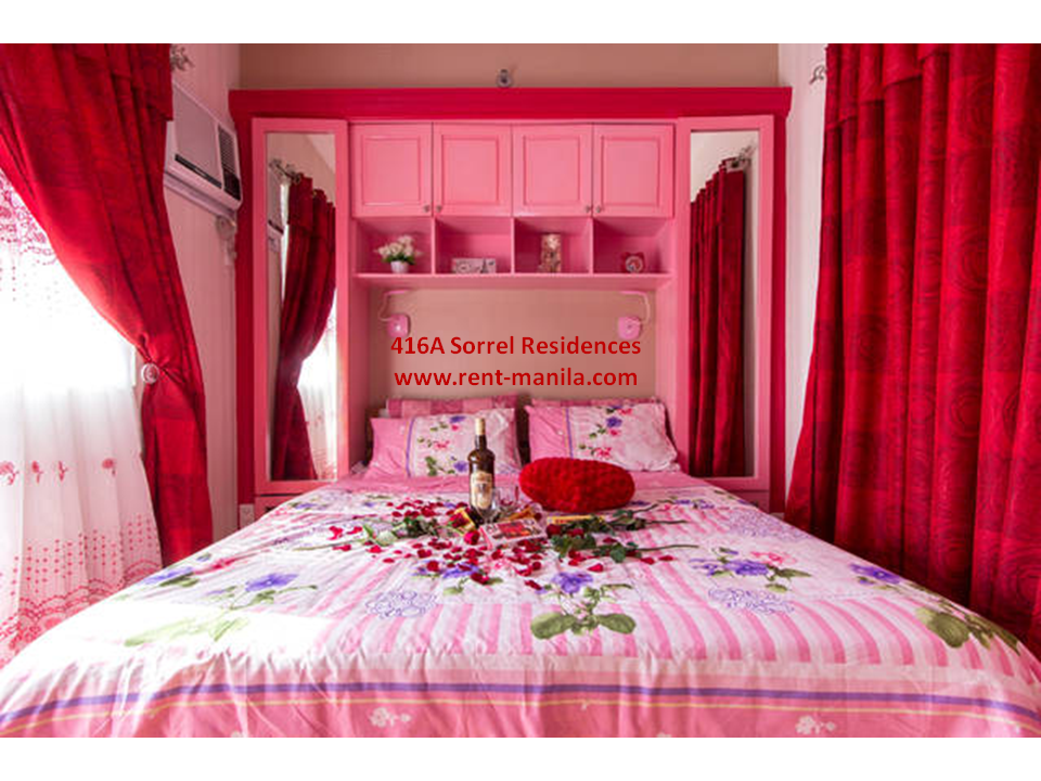 Bedroom (Flowers, chocolates and liquor are shown for decoration purposes and are not included)