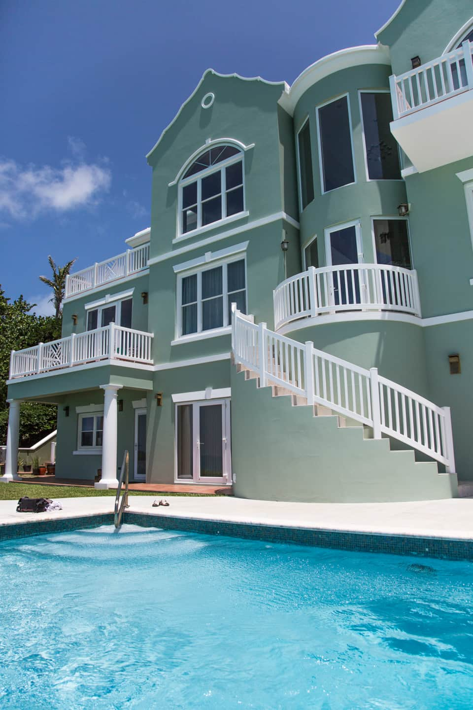w59 four bedroom oceanside house with pool ocean access horizon pool the house pool area and back of house