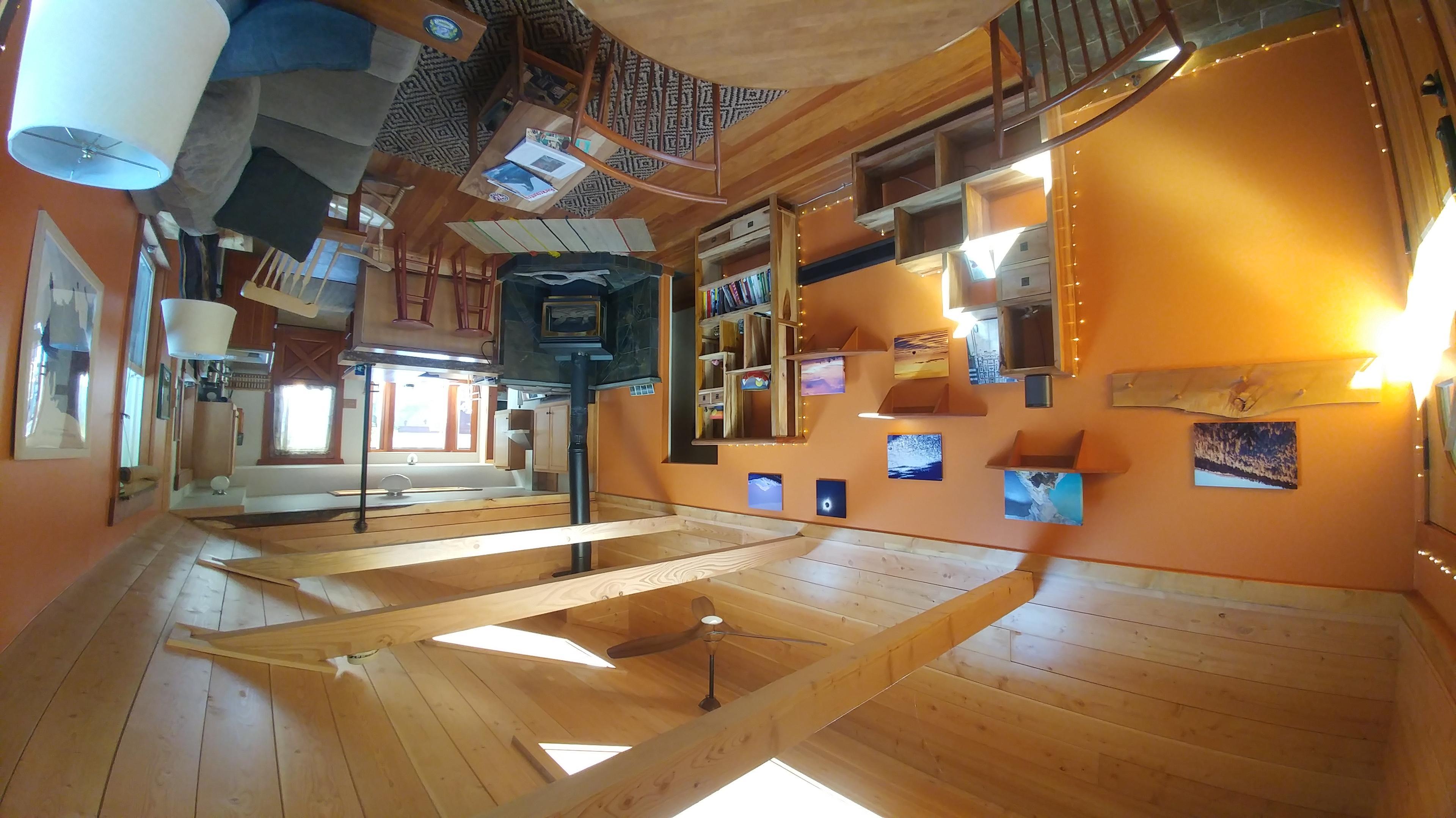 Urban Cabin: Private Garden and Cedar Soaking Tub - Bungalow in ...