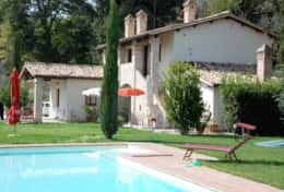 A Montefalco holiday rentals at walking distance from town