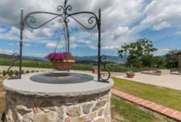 Holiday-in-Tuscany-Poppi-Villa-Borgo-Bibbiena (14)