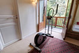 Warm-up in the morning using the cross-trainer machine in the master bedroom