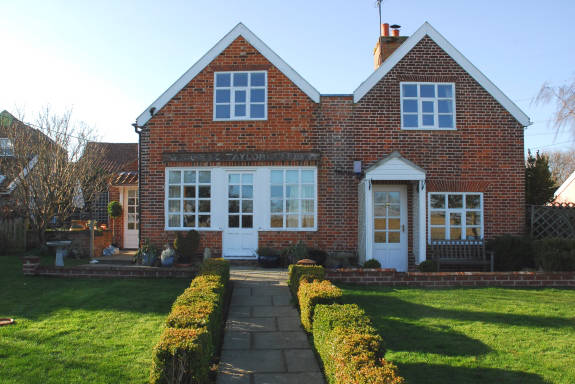Suffolk Cottage Holidays by Snape Cottages in Blaxhall, Suffolk