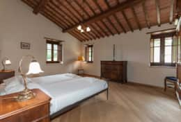 Holiday-in-Tuscany-Poppi-Villa-Borgo-Bibbiena (36)